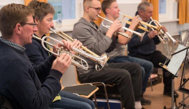 Wiederaufnahme der Probenarbeit und des Instrumentalunterrichts